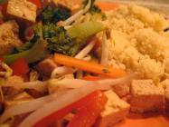 Kuskus_s_tofu_a_zeleninou.jpg